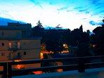 Meravigliosa vista del tramonto dalla casa