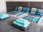Im Masterbedroom befinden sich 2 Betten zu je 100 x 200 cm, bei Bedarf einzeln oder als Doppelbett.