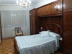 Amplia habitación, cama de 1,35