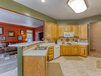 Spacious kitchen suitable for many people to prepare meals for large groups