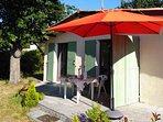 maison de plein pied avec terrasse et jardin
