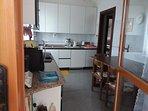 cucina abitabile con uscita sul giardino