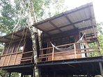 Cabaña Privada con excelente ubicación y la mejor vista: al frente el mar y atrás la selva tropical