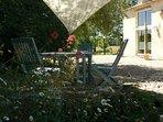 Petit déjeuner accompagné par le chant des oiseaux #Domaine de Geneviève des vignes#