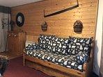 Canapé-lit gigogne dans le salon