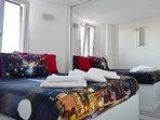 Camere da letto con un capiente armadio