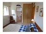 Etage : chambre n°3 - lit 160 et vue sur SDB