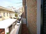 Balconcino con vista strada
