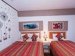 habitación con 2 camas, (1 de 2 plaza y la segunda de plaza y media) con vista
