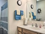 Bathroom | Ground Floor | Complimentary Toiletries | Towels Provided