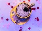 Offrez vous un séjour de Luxe, Champagne d'exception servit dans son seau à Glaçon