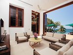 Villa Sunyata - Living Room by the Pool with Sea View
