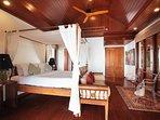 Villa Sunyata - Master Bedroom #2 - Four poster King Size Bed