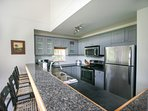 Fully equipped recently w/ breakfast bar