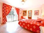 Dormitorio Suite con Jacuzzi, ma extra grande de 2x2 m y preciosa terraza solarium