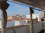 vistas a la ciudad desde la terraza carpe diem