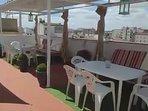 detalle zona comedor de verano terraza carpe diem compartido
