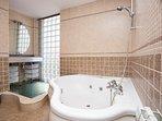 Baño completo habitación suite