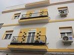 detalle edificio nundinae en merida. Balcon 1 domus terrae. Bal cón 2 domus caelum