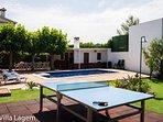 Mesa Ping Pong y piscina
