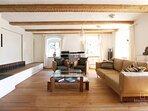 Wohnzimmer OG (Wohn-/Schlafzimmer für 2 Pers.) Gut Stohrerhof am Ammersee