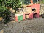 Villa Giuliana, solarium, barbacue e doccia esterna.