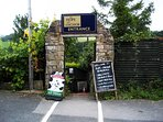 The hope and anchor is a pub situated on the cycle path a good stop for ice cream or drinks.