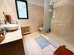 Baño 2 (En Suite con dormitorio 4)