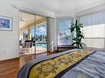 Vacanza Rentals - Villa Sunshine master bedroom