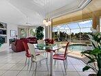 Vacanza Rentals - Villa Sunshine breakfast area