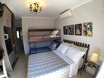 Roupas de cama de qualidade, cobertores, travesseiros, forro de colchão, forro de travesseiros.