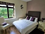 Muckno Lodge Downstairs Double Ensuite Bedroom 1