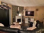 Spend quality time, movies, alexa Bluetooth,mini pool table/ games & pull out couch