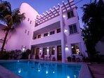 Villa Deja Blue pool