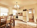 Unsere exklusiv gestaltete Küche mit Induktionskochfeld ist hochwertig ausgestattet.