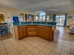 Kitchen with Bar seats 6