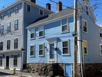 Historic Washington St in gorgeous Old Town Marblehead - 5 minute walk to Marblehead Harbor, and more