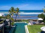Noku Beach House - Absolute beachfront