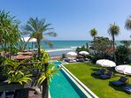 Noku Beach House - Magnificent pool feature