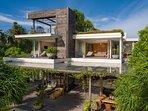Noku Beach House - Modernist and innovative style