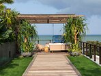 Noku Beach House - Pathway to outdoor living area