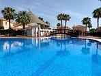 Piscina Principal y de niños - Main Swimming Pool and Children Swimming Pool