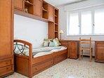 Dormitorio 3: cama nido plegada