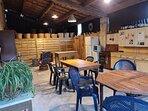 La cuisine d'été, salle de partage et de convivialité